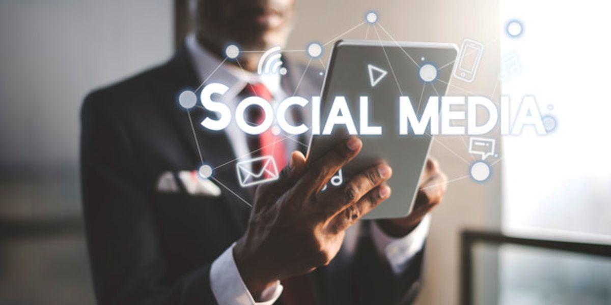 Social Media Model Reviews